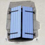 paire battant volet bleu petit maison 05022000