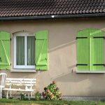 volet petit maison vert ouvrert ferme 05022000